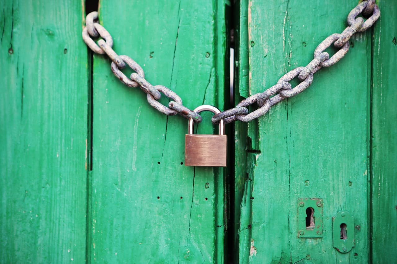 how to add content locking in wordpress