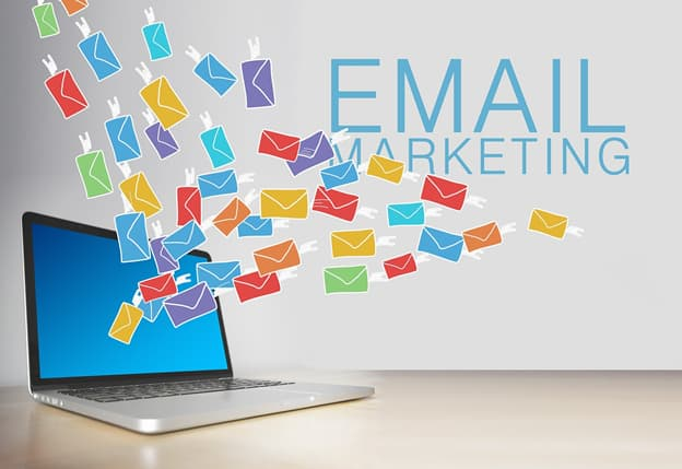 how to use email newsletters as a way to drive traffic to your site